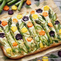 Smaczna Pyza: Pizza ze szparagami, marchewką i twarożkiem Cooking With Kids, Bruschetta, Tortellini, Vegetable Pizza, Cake Toppers, Main Dishes, Appetizers, Bread, Food