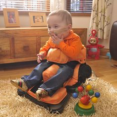 Seat to develop sitting balance for children with special needs - Leckey