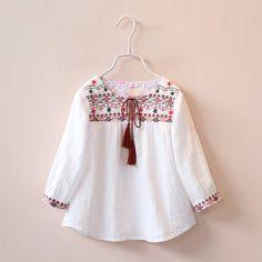 Nueva primavera 2016 ropa de los niños niñas niño bordado cordón de la borla blusas niños camisas de manga larga moda bebé encabeza