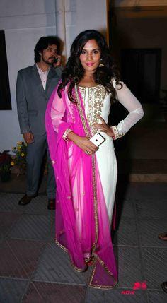 Aishwarya and Richa Chadda at the launch of Sarbjit in Delhi