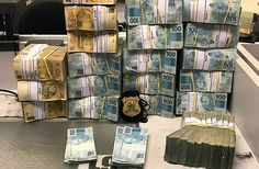Dinheiro apreendido pela PF durante operação desta quinta-feira
