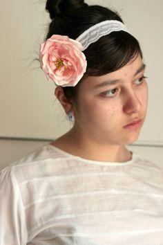 Handmade Rose headband  Bridesmaid gift ideas by HirasuAccessories #accessories # headband # hairband # hairaccessories #elastikband # flowerband #bridesmaidaccessories #weddinghairaccessories #weddingaccessories