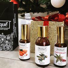 Φυτικά Έλαια || Είναι απολύτως καθαρά και χρησιμοποιούνται αυτούσια ή σε συνδυασμό με αιθέρια έλαια. Διαθέτουν θεραπευτικές ιδιότητες και χαρακτηριστικά.||  #boutiqueshopgr #boutiqueshop #eshop #shoponline #natiralproducts #greekproducts #madeinGreece #castoroil #almondoil #biooliveoil #oils Bio, Drinks, Bottle, Rose, Drinking, Beverages, Pink, Flask, Drink