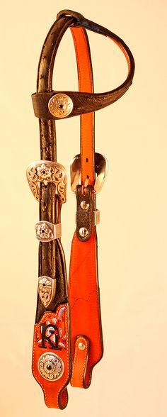 Horse Tack! SHOWMAN natté avec outils en Cuir Selle Sac Avec Gravé Conchos