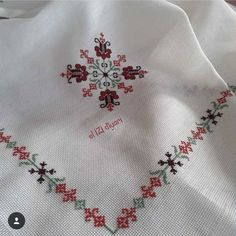 Fashion and Lifestyle Cross Stitch Borders, Cross Stitch Designs, Cross Stitching, Rock Crafts, Diy And Crafts, Spring Tutorial, Herringbone Stitch, Embroidery Sampler, Bargello