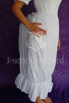 Petticoat - anágua para bustle simples em algodão.  Site: http://www.josetteblanchardcorsets.com/ Facebook: https://www.facebook.com/JosetteBlanchardCorsets/ Email: josetteblanchardcorsets@gmail.com josetteblanchardcorsets@hotmail.com