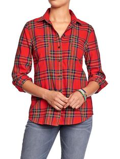 Old Navy size medium - love this one specifically but also other button-ups this style. Plaid, polka dot, solid color, etc. I like how this one fits.