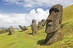 La Isla de Pascua estrena una escultura con ADN catalán