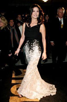 Catherine Zeta-Jones - Glamour's Women of the Year Awards 2005  Escada