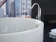 Bañeras con hidromasaje y mini piscinas exteriores de SanycCes para disfrutar de un spa en tu casa De venta en Sánchez Plá Paterna, Valencia. www.sanchezpla.es