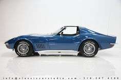 1971 Chevrolet Corvette Coupe. Nothin more beautiful than a classic Chevy <3