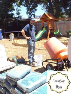 This inSane House: DIY Concrete Edger or Retaining Curb Concrete Landscape Edging, Concrete Edger, Concrete Curbing, Landscape Borders, Diy Concrete, Concrete Projects, Garden Projects, Home Projects, Projects To Try