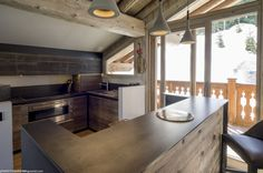 Chalet Colombe is a luxury ski chalet in Courchevel 1850 exclusively run by Kaluma Ski. Private chalet with 5 star hotel facilities. Courchevel 1850, Ski Chalet, Kitchen Design, Luxury, Furniture, Home Decor, Colombia, Decoration Home, Design Of Kitchen