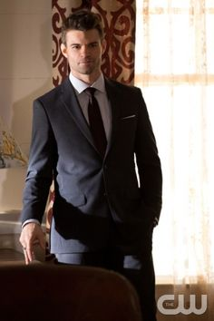 """The Originals -- """"Gonna Set Your Flag on Fire"""" -- Image Number: OR210b_0211.jpg -- Pictured: Daniel Gillies as Elijah -- Photo: Bob Mahoney/The CW -- © 2015 The CW Network, LLC. All rights reserved."""