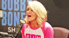 Carrie Underwood Will Leave You Breathless With Beautiful Rendition Of 'I Will Always Love You' Country Hits, Best Country Music, Country Music Lyrics, Country Music Videos, Female Country Songs, Country Singers, Billboard Hot 100, Now And Forever, Folk Music
