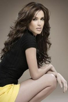 Jacqueline Bracamontes (born: December Guadalajara, Mexico) is a Mexican actress, former model and beauty pageant titleholder who won Nuestra Belleza Jalisco Nuestra Belleza México 2000 and represented her country at Miss Universe Most Beautiful Women, Beautiful People, Mexican Actress, Latin Women, We Are The World, Famous Women, Pretty Woman, Her Hair, Hair Inspiration