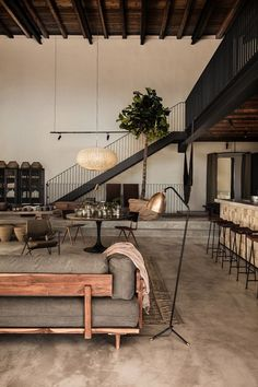 Industrial interior design living room can be the right solution for you who want a modern and cool home. It will make your home looks so contemporary. Industrial Interior Design, Industrial House, Industrial Interiors, Interior Design Living Room, Living Room Designs, Interior Decorating, Decorating Ideas, Decorating Websites, Decor Ideas
