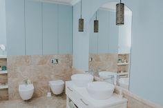 Bathroom design  #bathroom #furnituredesign #mdfpainted #house #saramobdesign #americanstyle Design Bathroom, Design Furniture, Classic Furniture, Bathroom Lighting, Bathrooms, Sink, Mirror, American, Projects