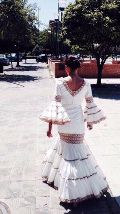 Spanish style – Mediterranean Home Decor Spanish Dress, Spanish Style, Flamenco Costume, Flamenco Dresses, Ballroom Gowns, Tango Dress, Spanish Fashion, Casual Elegance, Dream Wedding Dresses