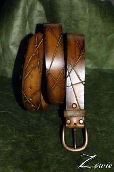 Wide Leather Belt, Leather Saddle Bags, Leather Belts, Men's Belts, Mens Belts Fashion, Leather Wallet Pattern, Belt Shop, Leather Carving, Bracelets