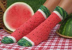 Ravelry: Pasteque - Watermeloen - Watermelon Slice Socks pattern by Wendy Gaal Funky Socks, Crazy Socks, Cute Socks, Awesome Socks, Red Socks, Knitting Projects, Knitting Patterns, Crochet Patterns, Watermelon Slices