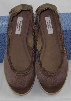 SIMPLY VERA WANG BLAKE BROWN FLATS SLIPPER SHOES SIZE 6M NEW  http://www.ebay.com/itm/SIMPLY-VERA-WANG-BLAKE-BROWN-FLATS-SLIPPER-SHOES-SIZE-6M-NEW-ORIG-59-99-/160892316789?pt=US_Women_s_Shoes=item2575edec75