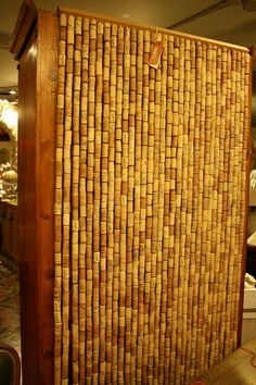 Cute Curtains Made with Recycled Wine Corks Wine Cork Projects, Wine Cork Crafts, Wine Bottle Crafts, Wine Bottles, Cute Curtains, Beaded Curtains, Recycled Furniture, Handmade Furniture, Recycled Wine Corks