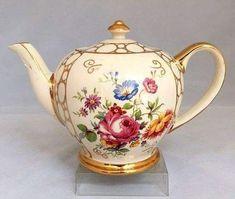 Vintage China, Vintage Teapots, Antique China, Teapots And Cups, Teacups, Vintage Tea Parties, Tea And Crumpets, Tea Tins, Tea Pot Set