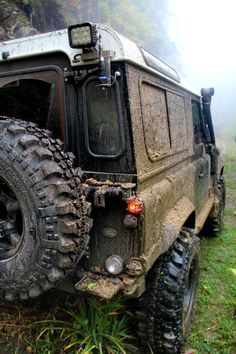 Land Rover Defender 90 off road while on safari <3 #LandRover #safari #Love