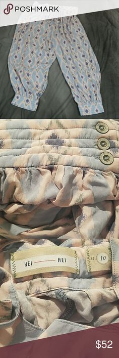 Anthropologie Hei Hei soft jogger pants 10 Anthropologie Hei Hei lightweight soft jogger pants 10. Buttons at side of waist and at ankles. Excellent condition. Very light pink and blue. Anthropologie Pants Track Pants & Joggers