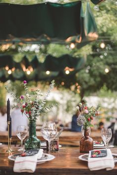 Best Last Minute Mini Moment Celebrations DIY Ideas? Best Last Minute Mini Moment Celebrations DIY Ideas? Best Last Minute Mini Moment Celebrations DIY Ideas? Best Last Minute Mini Moment Celebrations DIY Ideas? Mod Wedding, Wedding Table, Rustic Wedding, Wedding Ideas, Mesa Exterior, Wedding Decorations, Table Decorations, Partys, Outdoor Parties