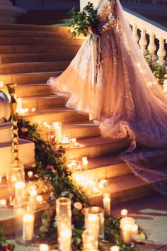 Elegant Bride on Staircase | photography by http://www.damarismia.com