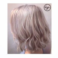 This gorgeous cool-toned dimensional champagne cut and colour by @jessica_kerastase had every head in the salon turning for our lovely Helena. Simply perfect. #HairbyHype #HypeVancouver #HairGoals #Hairspiration #HairEnvy #Blonde #Vancouver #VanCity #ModernSalon