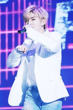 Yoo Kihyun 유기현 || Monsta X || 1993 || 176cm || Main Vocal