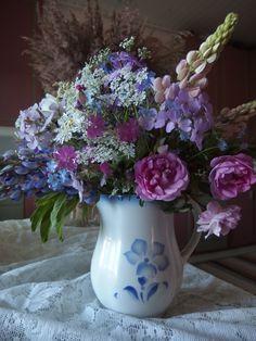 .kukkakimppu ja Arabian kannu