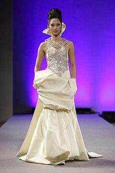 Isabel Zapardiez Couture Fashion Week