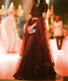 Wedding Dresses For Girls, Girls Dresses, Pakistani Wedding Outfits, Long Frock, Designer Shoulder Bags, Dress Suits, Indian Dresses, Simple Dresses, Mehndi