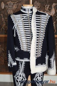 ♔ People from around the World: Traditional Hungarian wear Historical Costume, Historical Clothing, Folk Costume, Costumes, Hungarian Embroidery, Folk Fashion, Military Fashion, Traditional Dresses, Budapest