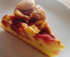Rezept Erdbeer-Sommer-Kuchen mit Pinienkernen von Carrie Blue - Rezept der Kategorie Backen süß