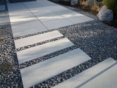 Ähnliches Foto Crushed Stone, Paths, Garden Ideas, Landscaping, Backyard, Exterior, Contemporary, Rugs, Decor