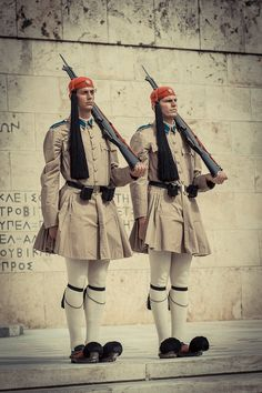 The Evzones (Greek Presidential Guard) at the Tomb of the Unknown Soldier at Syntagma square in Athens Mykonos, Greek Traditional Dress, Soldier Costume, Greek Warrior, Unknown Soldier, Greek History, Parthenon, Black Sand, Fashion Project