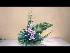 Sorry, This Video does not exist Basket Flower Arrangements, Altar Flowers, Ikebana Arrangements, Church Flowers, Flower Show, My Flower, Small Flowers, Wedding Centerpieces, Orchids