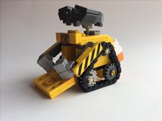 Lego Projects, Projects For Kids, Lego Wall E, Wall E Eve, The Originals Characters, Cool Lego Creations, Lego Models, Lego Disney, Product Ideas
