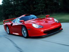 Desktop Wallpaper-s > Cars > Porsche 911 GT1 LM Strassenversion 1998