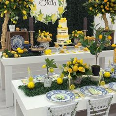 Lemons in Sisley Venture, set up and design Catering Lemon cookies Desert… Lemon Centerpieces, Lemon Party, Yellow Wedding, Decoration Table, Baby Shower Themes, Event Decor, Party Themes, Party Ideas, Catering