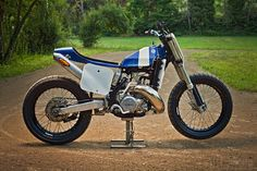This clean, sharp-looking Yamaha YZ250 flat tracker was built by Italian Lorenzo Buratti, who wanted to go racing without breaking the bank. And doesn't it look fun?