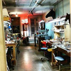 Awesome!  Repost from @freddiematara -  Now I can settle in... #leather #leatherwork #leathercraft #leathergoods #leathertools #maker #craftsman #leatherstudio #leathersmith #altier #leatherworkbench #tooling #stamping #tandyleather #handcrafted #handsewn #handstitched #leathershop #craftool #barryking #alstohlman #csosborne #handmade #handtooled #workshop #leatherworkshop #workbench #vergezblanchard