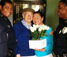 4 junio 2014 Un hombre con Alzheimer tiene un momento de lucidez y le compra rosas a su mujer por el día de la madre - ANTENA 3 TV