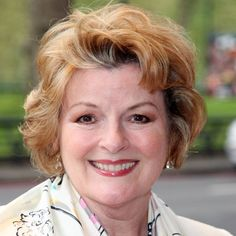 Brenda Blethyn tells of real reason behind marriage . English Actresses, British Actresses, British Actors, Mrs Bennet, Celebrities In Stockings, British Sitcoms, Entertainment Blogs, Broadway Plays, Height And Weight
