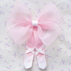 "Ballet slipper hair bow -image only ""Tutu Ballerina Hair Clippie so cute"", ""Oh my goodness so so cute! Tutu Ballerina Hair Clip :) these are adorable"", Hair Ribbons, Diy Hair Bows, Diy Bow, Bow Hair Clips, Ribbon Bows, Ballerina Hair, Ballerina Shoes, Ballet Hair, Ballerina Slippers"
